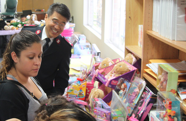 the salvation army la korea corps hosted a christmas event for low income families who live in the communities surrounding the church in koreatown